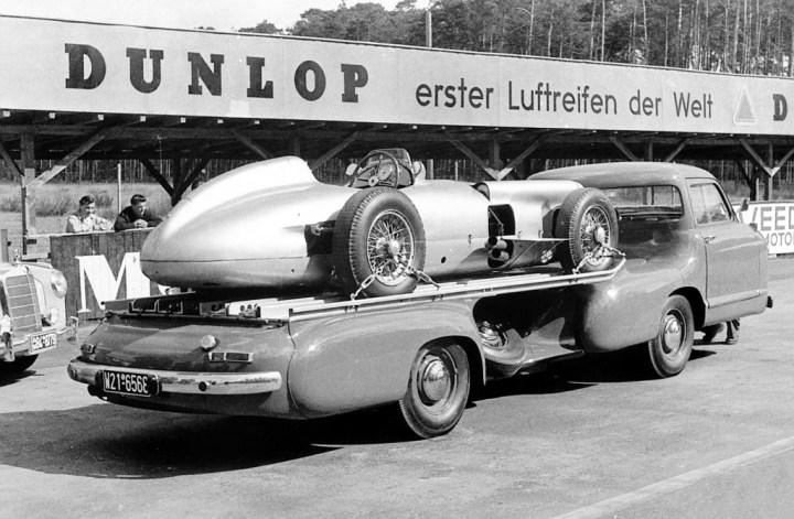 Jornada de entrenamientos en el Hockenheimring en 1955 con un W 196 R | Daimler