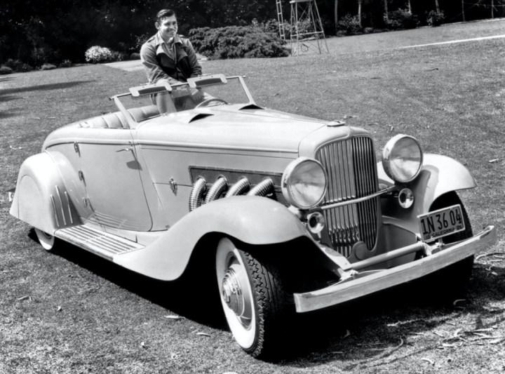 Stars & Cars 3 Clark gable con su Duesenberg Model JN en 1935