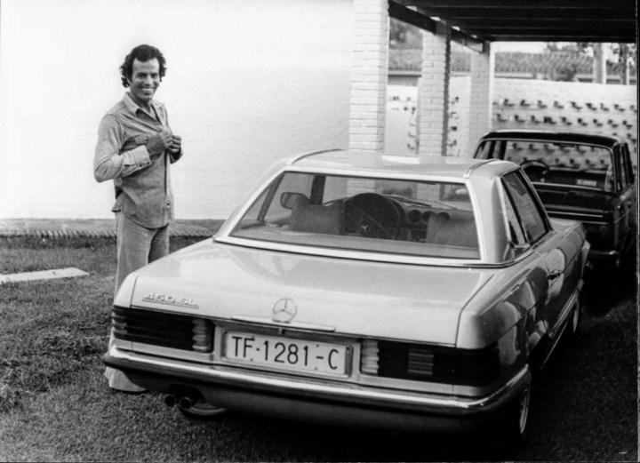 Stars & Cars 3 Julio Iglesias con su Mercedes-Benz 450 SL de 1973