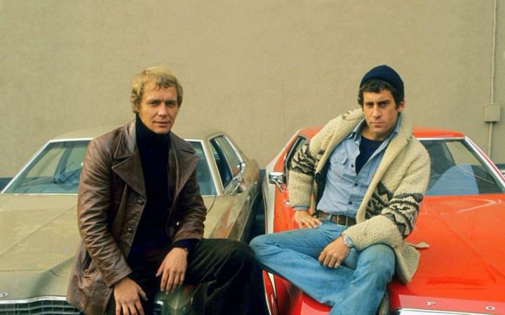 David Soul y Paul Michael Glaser en una imagen promocional de la serie Starsky & Hutch hacia 1977 | Frank Edwards:Fotos International:Getty Images
