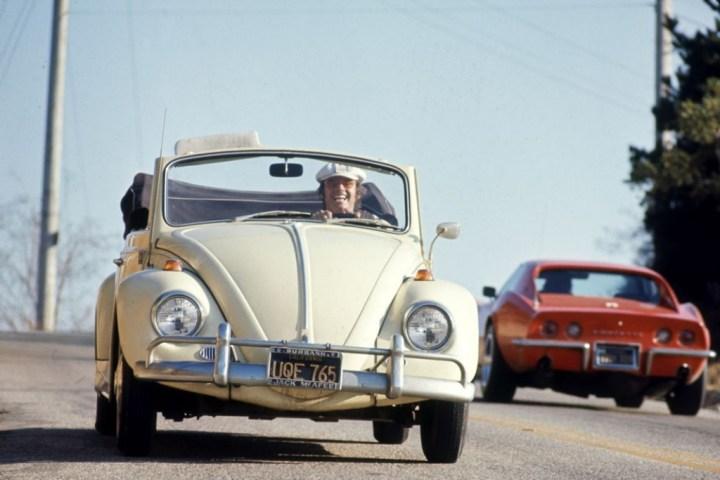 Jack Nicholson conduciendo un Volkswagen en Los Ángeles en 1969 | Time&Life Pictures: Getty Images