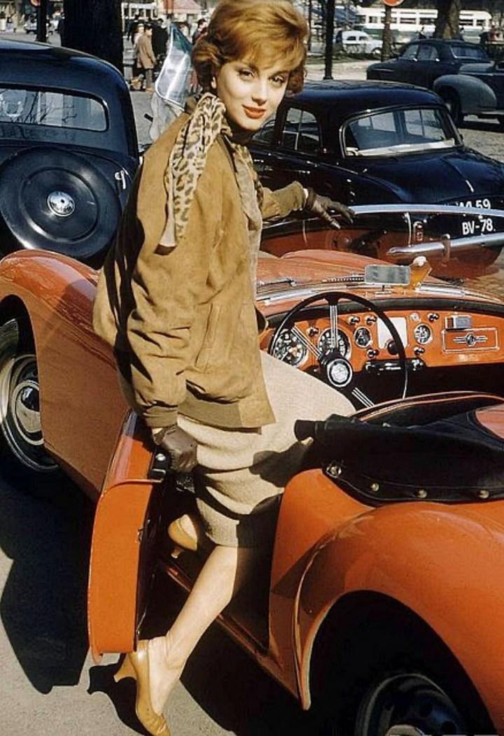 La modelo y actriz francesa Marie-Hélène Arnaud posado para la revista LIFE en | 1967 Loomis Dean:LIFE Magazine