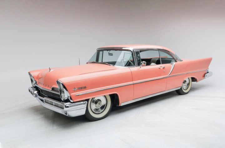 Subastas Arizona 2021: 1957 Lincoln Premiere Coupe 20.160 $ (40-50.000 $) | RM Sotheby's