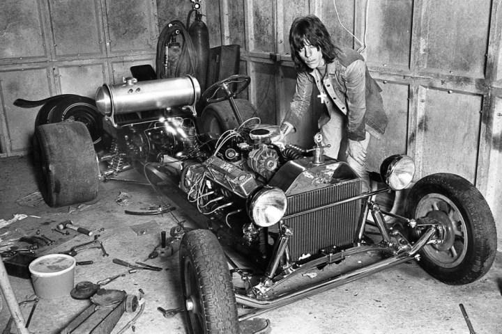 Personajes singulares y sus coches: Jeff Beck junto a unos de sus Hot Rod | Barry Plummer