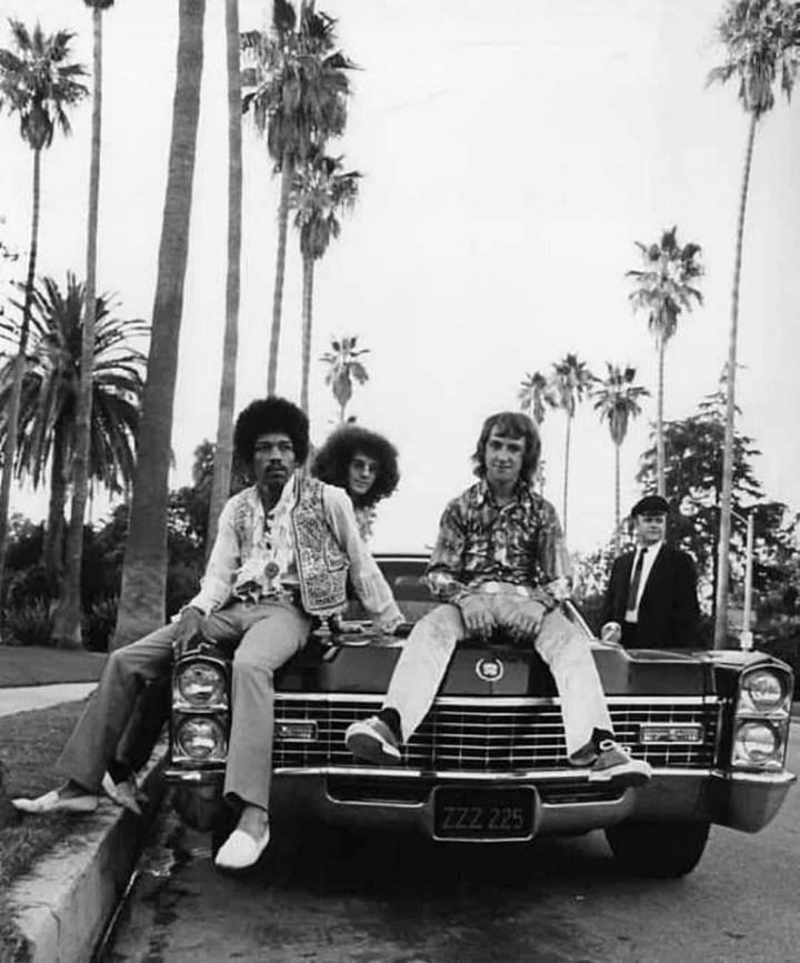 The Jimi Hendrix Experience frente al Beverly Hills Hotel en septiembre de 1968
