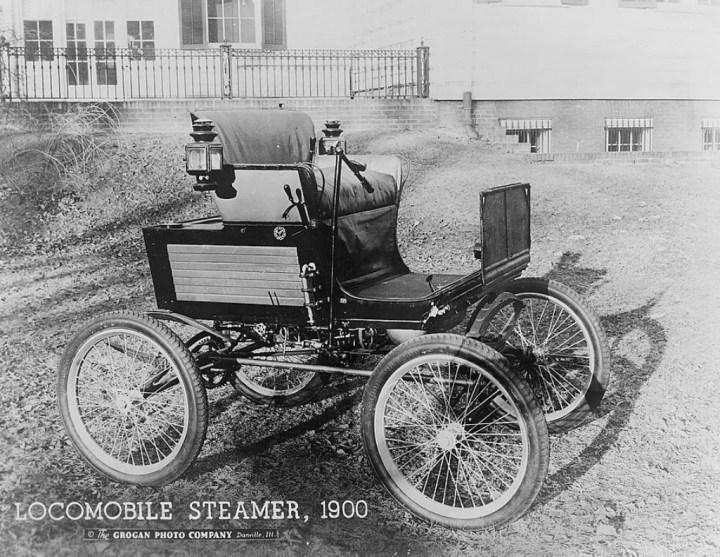 Coches a vapor: Un Locomobile a vapor de 1900