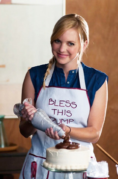 Anna Faris Gets Messy