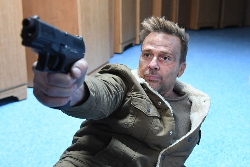 ASSAULT ON VA-33 starring Sean Patrick Flanery