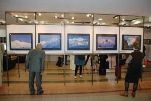 Выставка репродукций картин Н.К.Рериха в фойе Балтийской международной академии