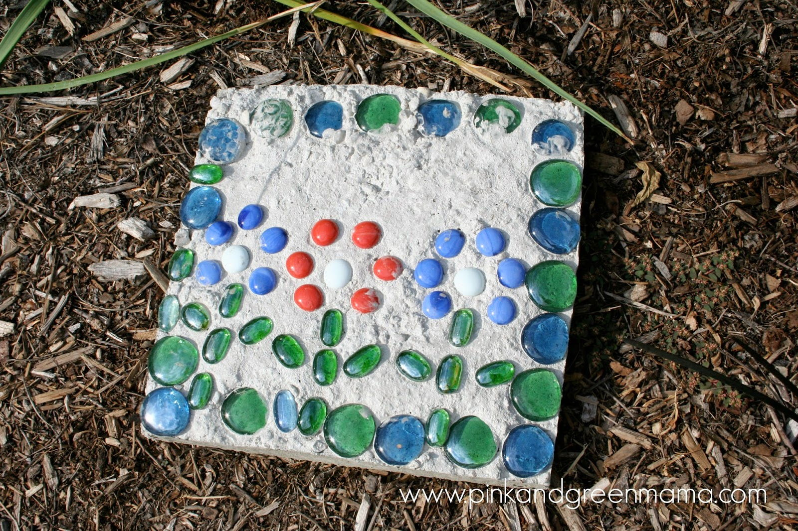 Kid-Friendly Cement Stepping Stones for Your Yard