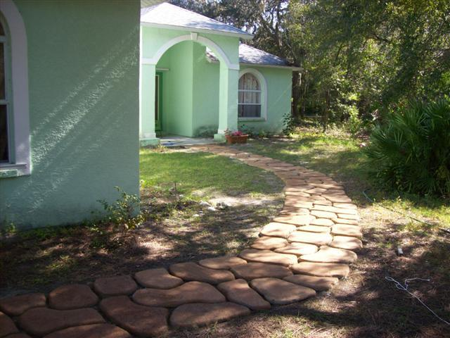Stepping Stone Path DIY