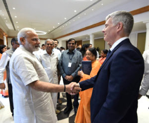 Dr Bergvinson reaffirming Mr Modi on ICRISAT's commitment to double farmer's income through demand driven innovation based on solid science and partnerships.