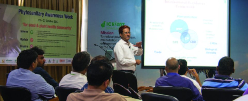 Elaborating the significance of phytosanitation. Photo: S Punna, ICRISAT