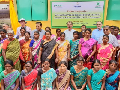 Aspiring women entrepreneurs interact with Walmart Foundation and ICRISAT officials to explore global agribusiness opportunities at Maruru village, Anantapur.