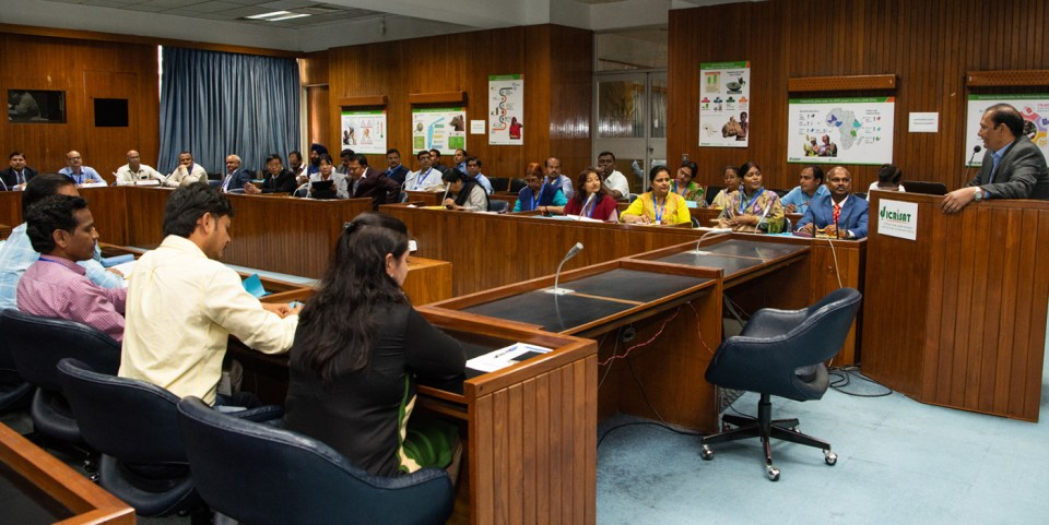 Dr Pooran Gaur, Research Program Director – Asia, speaking  to chickpea scientists at the meet. Photo: PS Rao, ICRISAT