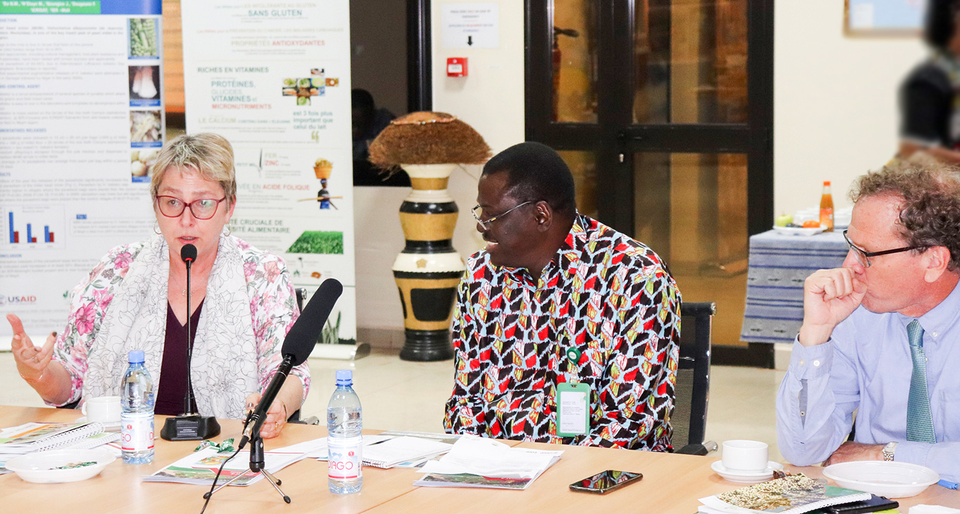 Ms Cheryl L Anderson, Senior Deputy Assistant Administrator for Africa Bureau, USAID, Dr Ramadjita Tabo, Research Program Director, WCA, ICRISAT and Mr Scott Dobberstein, Mission Director, USAID Mali, discussing the results. Photo: N Diakité, ICRISAT