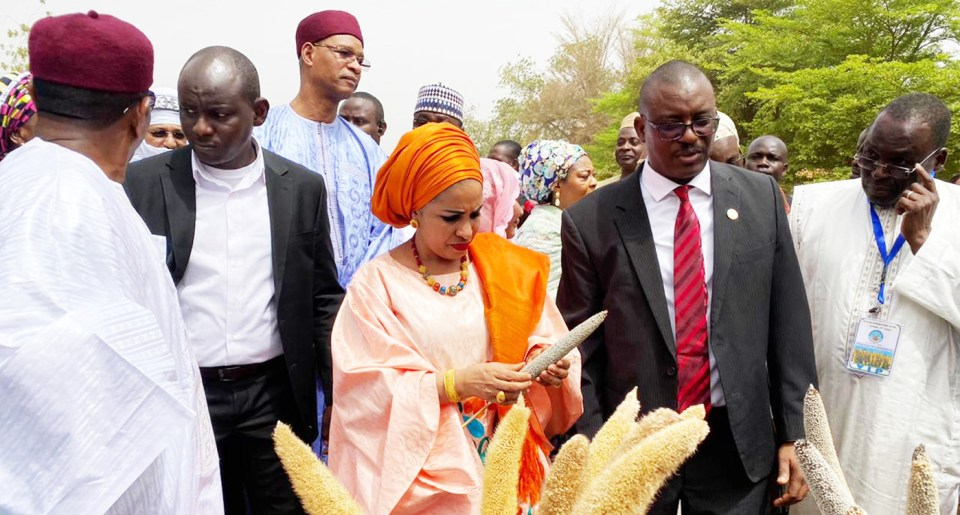 Dr Lalla Malika Issofou, First Lady of Niger visiting ICRISAT exhibit stall with HE Albade Abouba, Minister of Agriculture and Livestock, Niger. Also seen is Dr Malick Ba, ICRISAT Country Representative, Niger. Photo: ICRISAT