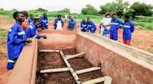 Aerobic water vapor composting unit for smart compost production.