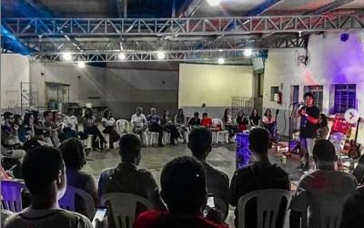 Jovens – Nasci na Igreja, e ai?