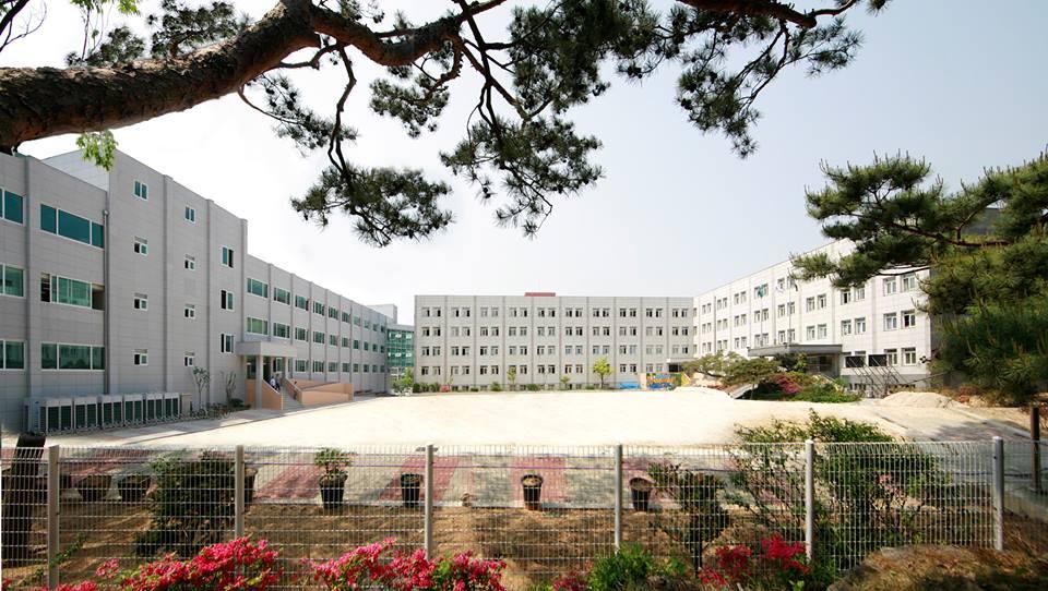 Chou Tzuyu Starts Class at South Korean High School | ICRT Blog