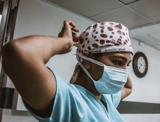 Covid-19: esclusi centinaia di medici e infermieri stranieri dai concorsi