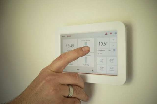 Improving Your Home's Power Efficiency: 3 Ways to use Technology for Reducing Electricity Consumption 1