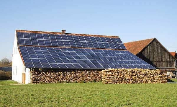 ID solaire équipe les bâtiments agricoles photovoltaïques