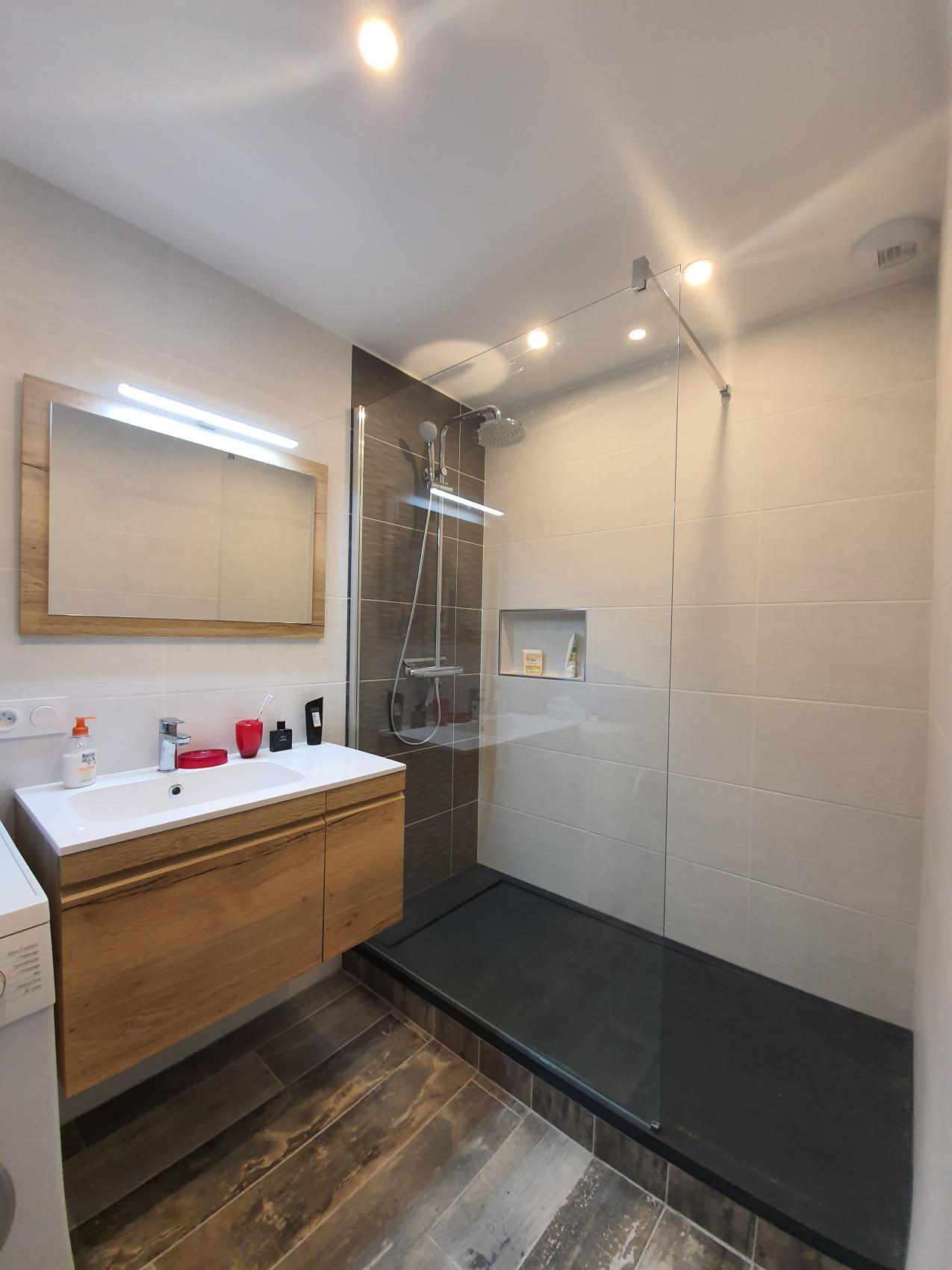 salle d eau et lingerie wc a la rochelle