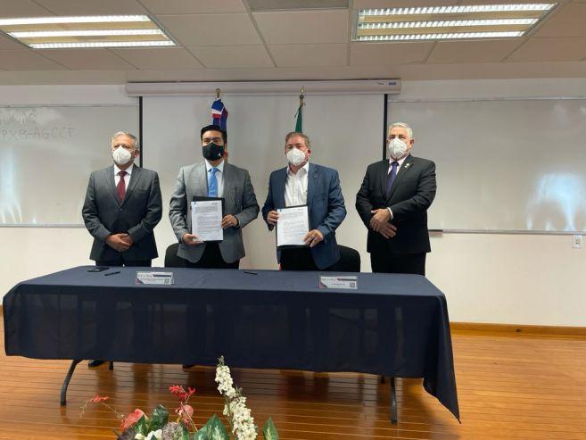 Idac firma acuerdo de colaboración con Universidad Aeronáutica de México