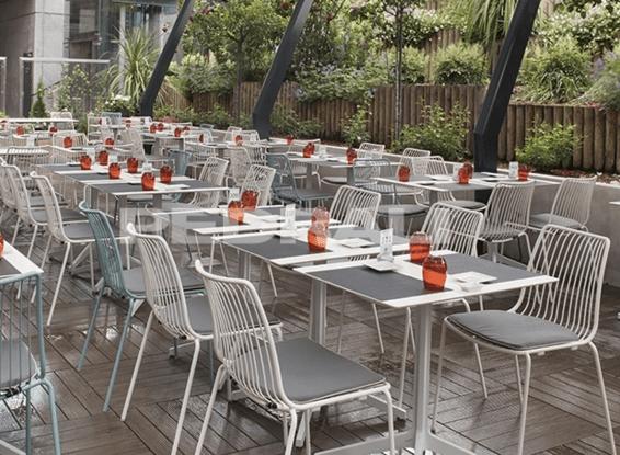 mobilier de cafeteria et de restaurant