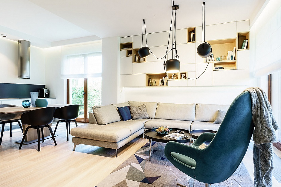 4 Bedroom Private Apartment in Poland