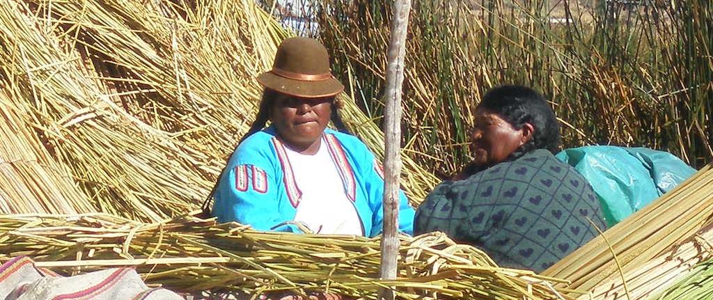 Choque cultural inverso. Islas Uro- Perú 2010 (Ideas on Tour)