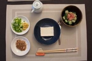Tofu froid et condiment