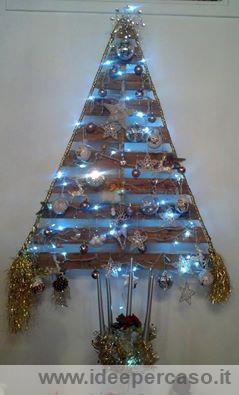 Albero Di Natale Legno Fai Da Te.Albero Di Natale Realizzato Riciclando Un Vecchio Pallet Di Legno