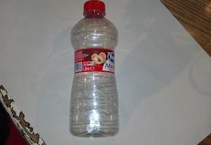 bottiglia di plastica dei succhi di frutta