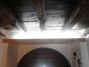 mettere una luce sopra la porta d'ingresso