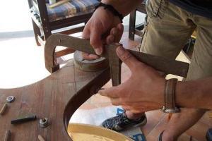 stringere con morsetto le tavole di legno