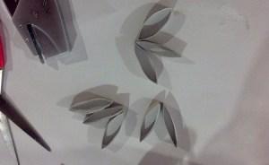 tagliare in otto parti il rotolo di carta igienica