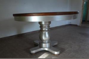 vecchio tavolo legno restaurato e dipinto argento