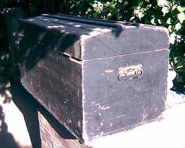 vecchio baule in legno