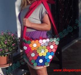 fare una borsa con i tappi di plastica