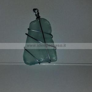 ciondolo con vetro trovato in spiaggia