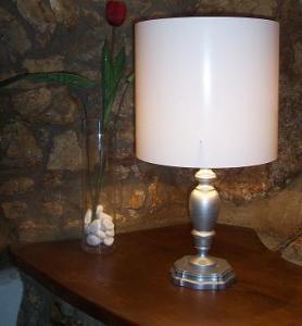Decorare una lampada da tavolo stile shabby chic