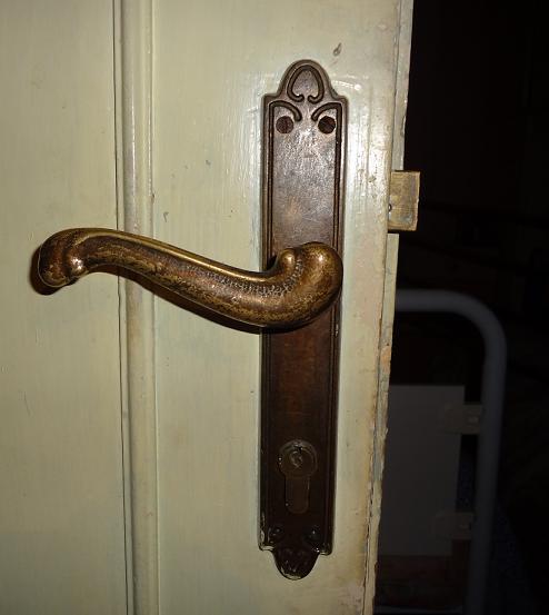 Dipingere Porte Vecchie.Rinnovare Le Vecchie Porte Di Casa Www Ideepercaso It