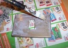 applicare fondo cementite sulle placchette di metallo