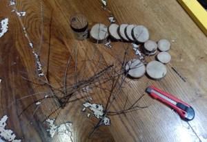 materiali per fare addobbi natalizi di legno
