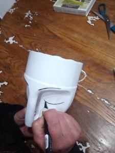 Vasi creativi realizzati con il contenitori in plastica dei detersivi