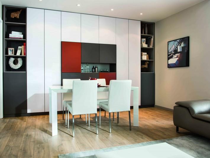salle a manger avec grand meuble de rangement colore schmidt