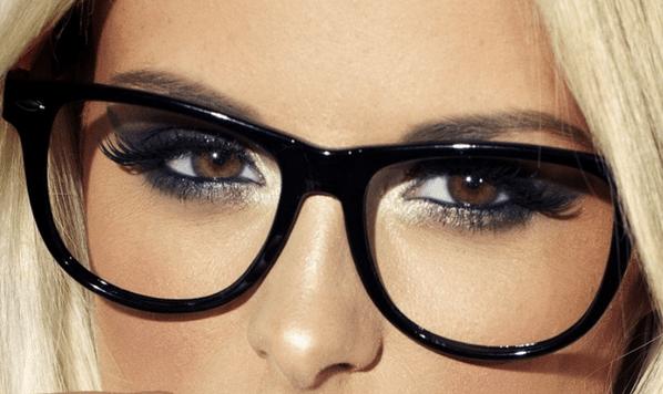 Resultado de imagem para maquiagem para quem usa oculos