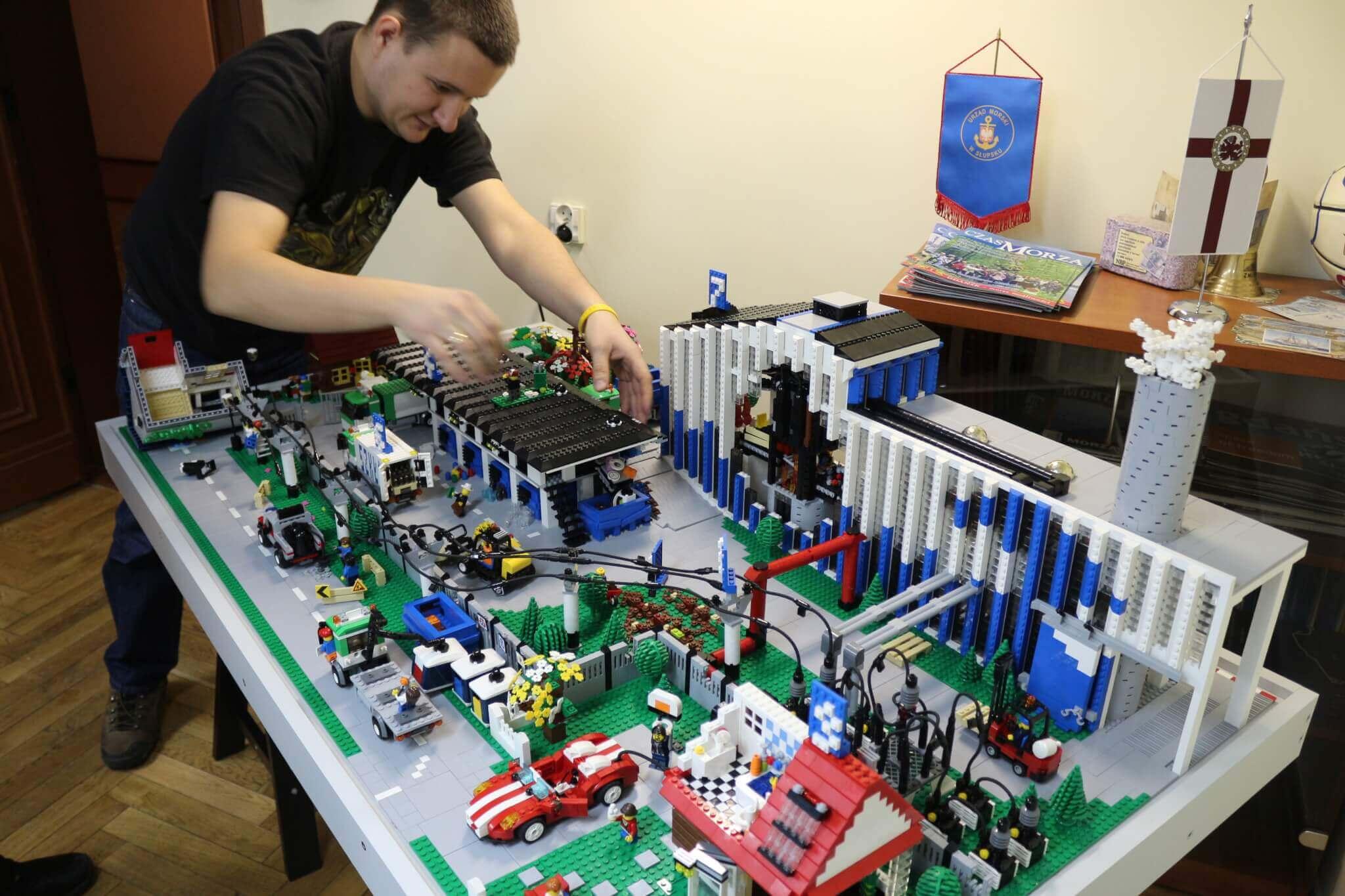 największa-budowla-z-klocków-lego-na-świecie-w-Gdańsk-Lego-Ideo-Klocki.jpg